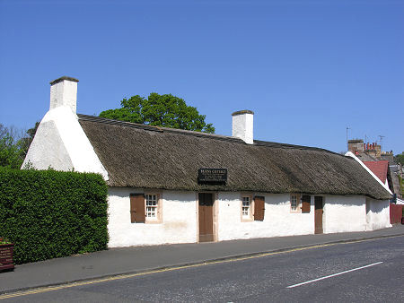 Burns cottage feature page on undiscovered scotland for Picture of house