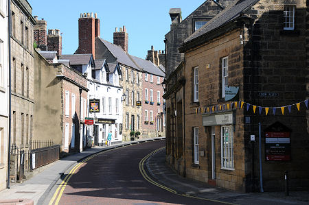 Alnwick Feature Page On Undiscovered Scotland