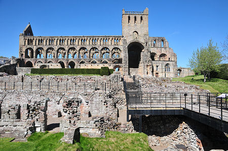 Jedburgh Abbey Feature Page On Undiscovered Scotland