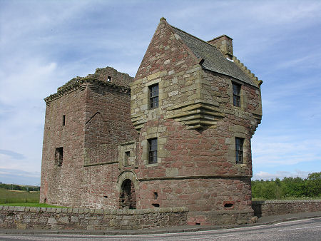 Burleigh Castle Feature Page on Undiscovered Scotland