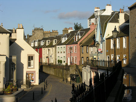 http://www.undiscoveredscotland.co.uk/queensferry/southqueensferry/images/header-450.jpg
