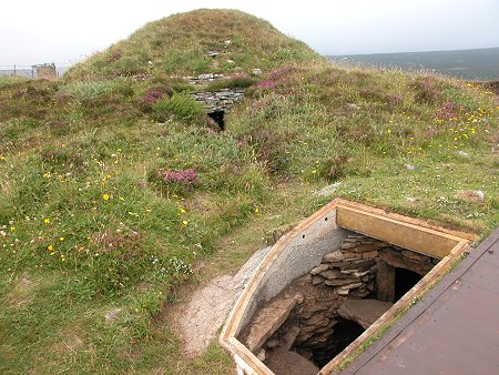taversoe tuick cairn feature page on undiscovered scotland